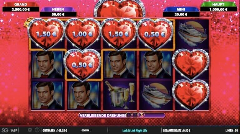 Lock It Link Night Life Slot Feature